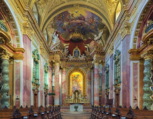 Vienna, Austria. Choir And Altar Of Jesuit Church Or University Church. The Church Was Built In 1623-1627. It Was Remodeled In 1703-1705 By Andrea Pozzo, Who Also Executed The Altarpiece And Fresco.
