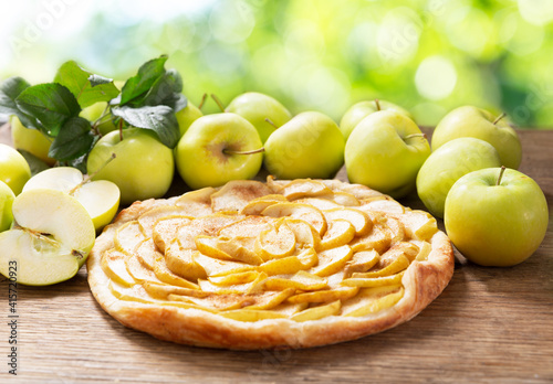 apple pie with fresh fruits © Nitr
