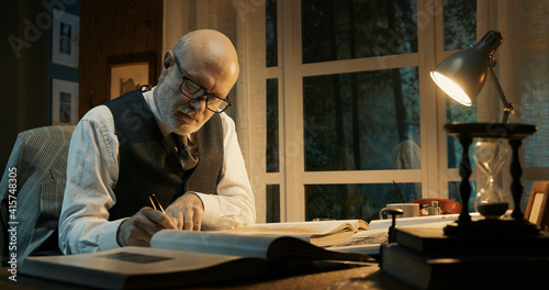 Fotografia Academic professor working in his office