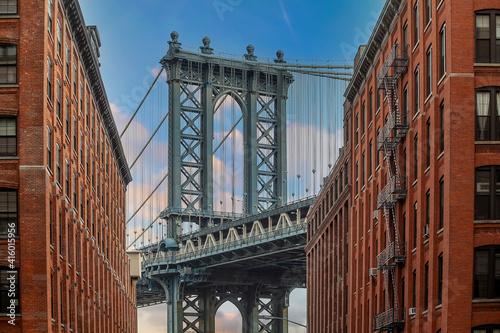 Manhattan bridge with Manhattan city skyline © f11photo