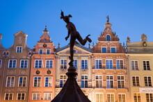 Dlugi Targ (Long Market), Lined With Medieval Houses, Gdansk, Pomerania, Poland, Europe