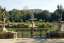 Vasca Dell'Isola, (Island Pond), Puttos Statues In Front Of Ocean's Fountain, Boboli Gardens, Florence, Tuscany