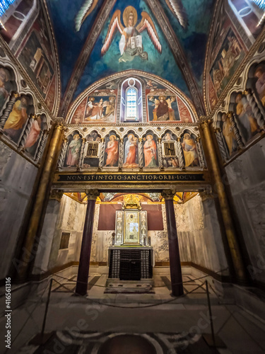 Fototapeta Interior view, in perspective, of hidden altar in ancient roman catholic church