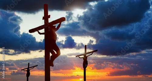 Fotografia Silhouette of three crosses