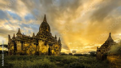 Fototapeta ancient temple in bagan myanmar