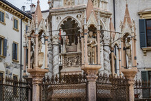 Scaliger Tombs (Arche Scaligere) - Group Of Five Gothic Funerary Monuments In Verona, Italy, Celebrating The Scaliger Family, Who Ruled In Verona From The 13th To The Late 14th Century.