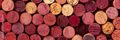 Foto Wine corks panorama, top shot