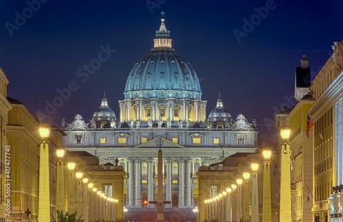 Obraz na plátne Petersdom Rom beleuchtet Nacht