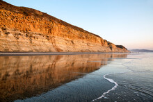 USA, California, La Jolla, Torrey Pines State Beach Reflections