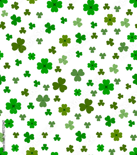 Photo St. Patrick's Day seamless pattern - clover on white background