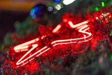 반짝 반짝 빛나는 도심 불빛조명 퍼레이드
