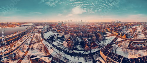 Photo Beautiful panoramic aerial drone skyline sunset view of the Warsaw City Centre w