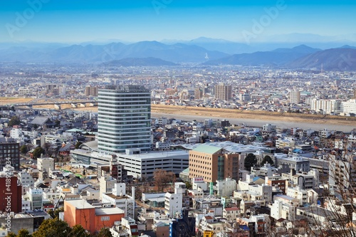 Photo 高台から見た 岐阜市の都市景観と建設中の岐阜市役所