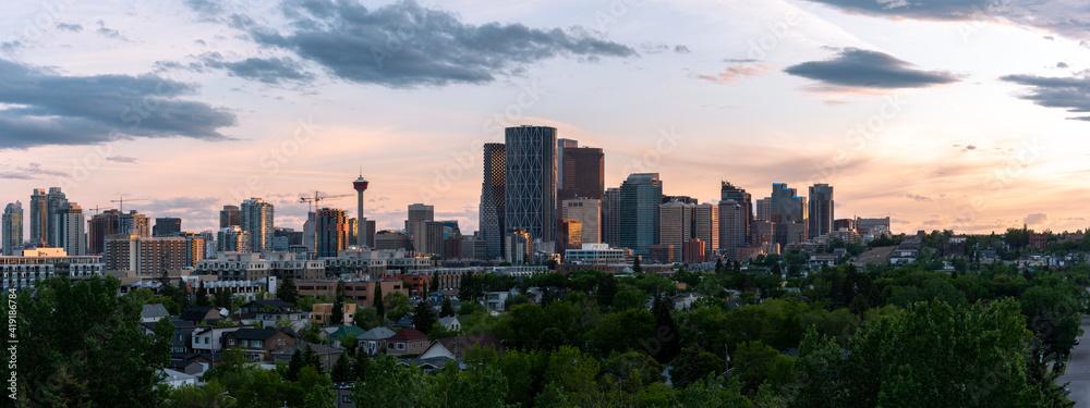 Fototapeta Calgary skyline at sunset.