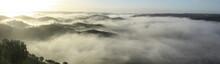 Vista Panorámica De Colinas Envueltas En Niebla Al Amanecer En Sanlúcar De Guadiana, Huelva, Andalucía, España.