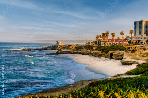 Canvas La Jolla cove in morning sun