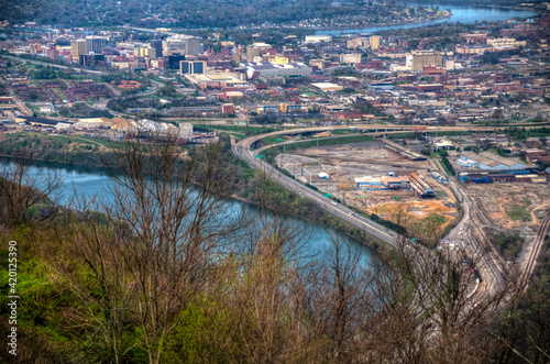 Tela Skyline of Chattanooga, Tennessee along Tennessee River the from Point Park
