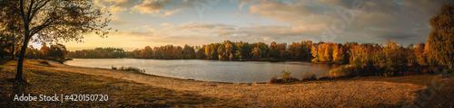 Obraz Sonnenaufgang Sonne See Teich Boje Wasser Lüneburger Heide - fototapety do salonu