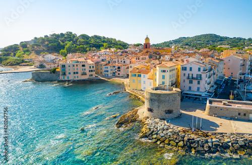 Платно View of the city of Saint-Tropez, Provence, Cote d'Azur, a popular destination f