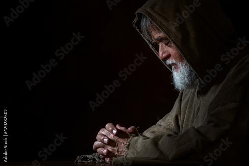 Fotografie, Obraz A medieval monk in prayer