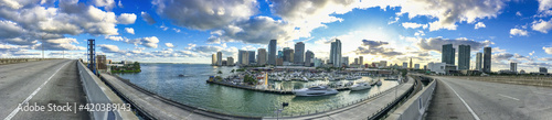 Photographie Downtown MIami at sunset from Port Boulevard