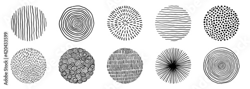 Obraz Set Of Doodle Borders. Hand Drawn Scribble Circle Frames Collection. Black And White Design Elements - fototapety do salonu