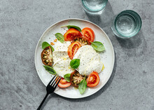 Heirloom Tomato, Basil And Mozzarella Salad