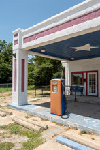 An Old Texas Gas Station