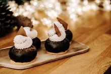 Small Chocolate Puffs