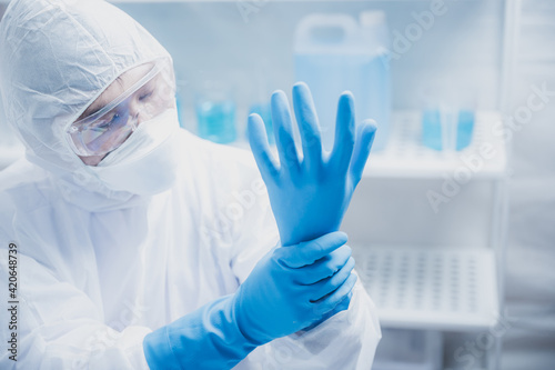 Canvas Print Health care researchers working in life science laboratory, medical science tech