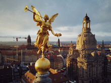 A Golden Statue Greets The Sunrise In Dresden