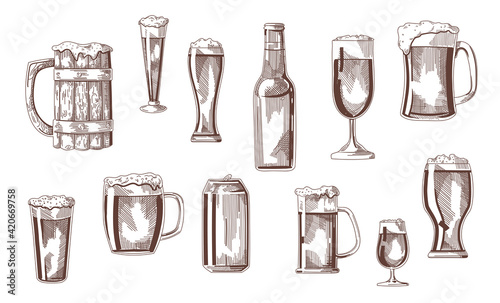 Fototapeta Beer drink in glasses, pints, mugs, can sketch set. Vintage beverages vector illustration. Hand drawn elements collection. Brewery concept obraz