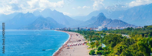Obraz na plátně Panoramic views of Antalya and the Mediterranean coast and the beach and beautiful mountains in the clouds