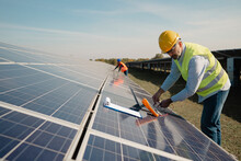 Controlling The Solar Panel