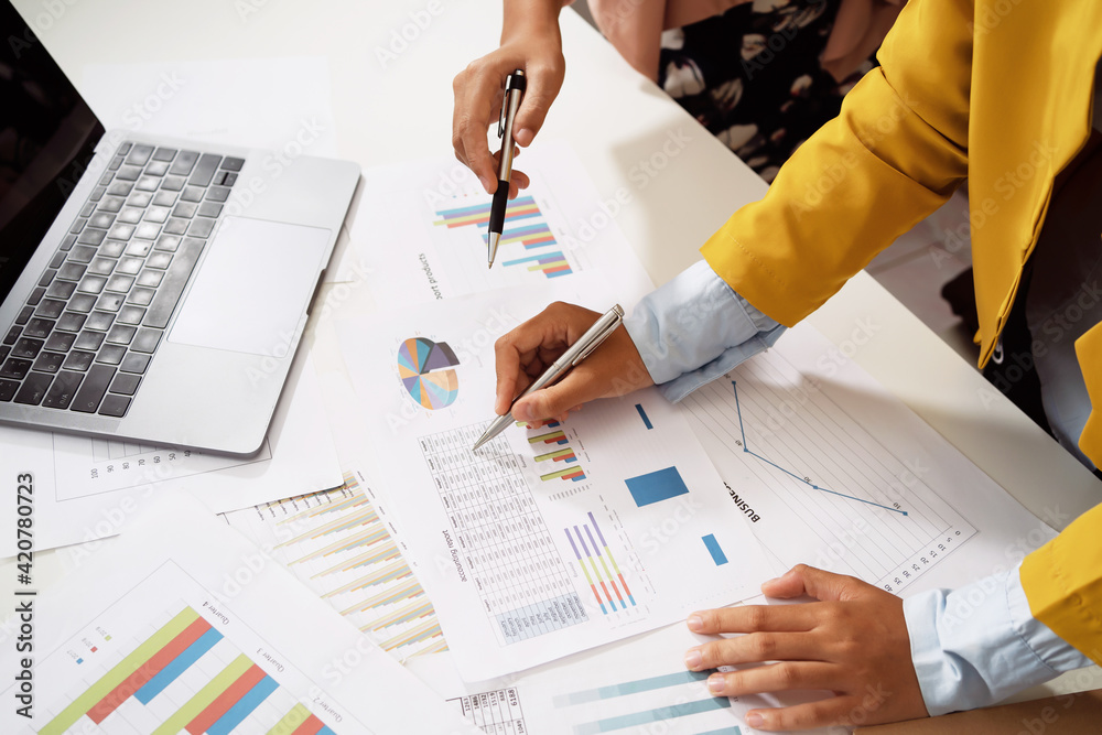 Fototapeta accountant meeting team in office room. concept finance and accounting - obraz na płótnie