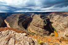 USA, Utah. Mexican Hat, Goosenecks State Park.