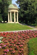 Parco Cittadino Di Como In Italia, City Park Of Como In Italy