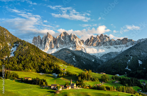 Obraz Beautiful landscape of Italian dolomites - Santa Magdalena - fototapety do salonu