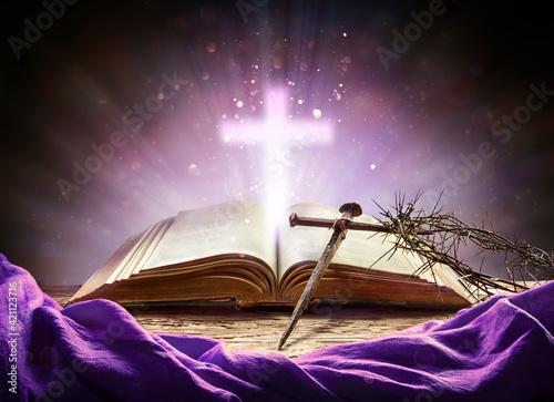 Obraz Passion And Resurrection Concept - Holy Bible And Calvary Symbols - fototapety do salonu