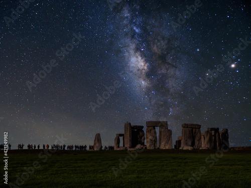 Fototapeta The milky way over stonehenge uk
