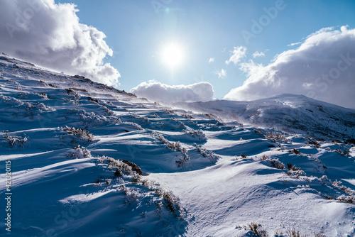 Obraz Nieve en la montaña - fototapety do salonu