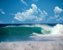 Waves Of The North Shore
