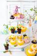 canvas print picture - Kleine Cupcakes mit Buttercreme