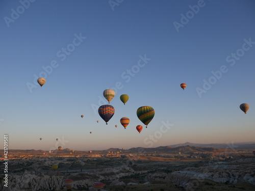 Fototapety, obrazy: Morning Balloon At 4 Am