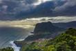 canvas print picture - Blick auf den Adlerfelsen mit dramatischem Himmel an der Kueste Madeiras