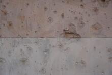 Wand Aus Sandstein In Berlin Mit Spuren Der Schlacht Um Berlin Im Zweiten Weltkrieg