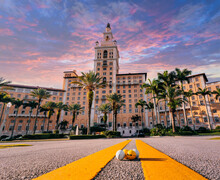 Hotel Place Beautiful Coral Gables Florida Usa Palms Tropical Tower Urban Miami Usa Sky Clouds
