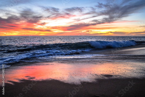 Fototapeta el oceano pacifico en una espectacular puesta del sol obraz