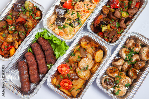 Vászonkép Business lunch in eco plastic container ready for delivery