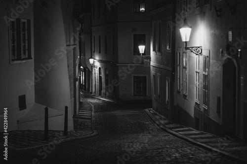 Fotografering old streets of Prague at night